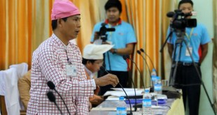 Deputy speaker Dr. Aung Naing Oo was discussing at the Hluttaw (Photo: MNA)