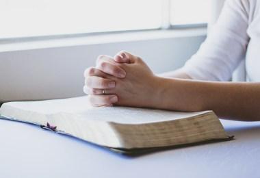 prayer 1308663 640 - Ce Dumnezeu, măi tăciune?