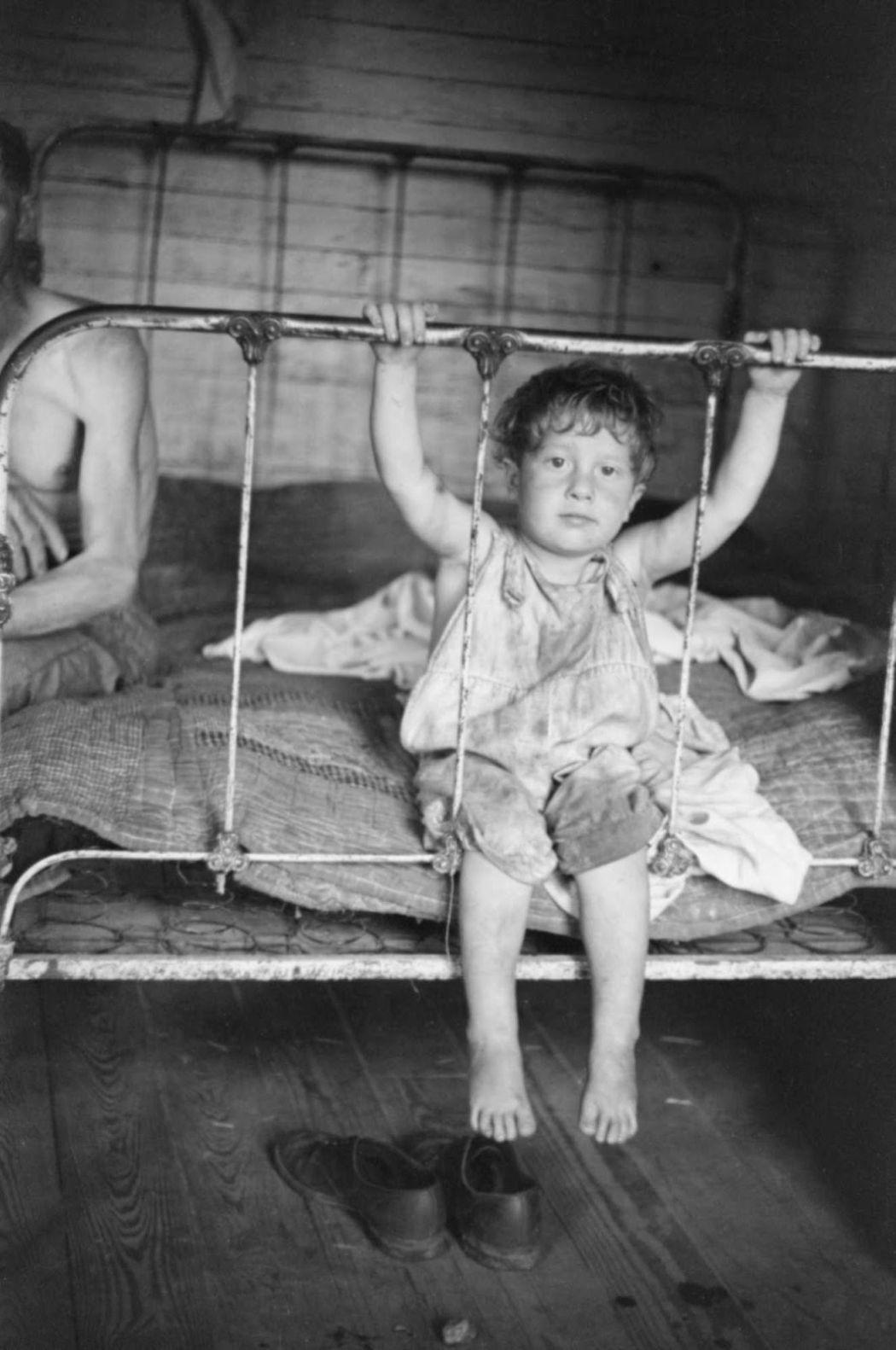 Biography Documentary photographer Walker Evans  MONOVISIONS