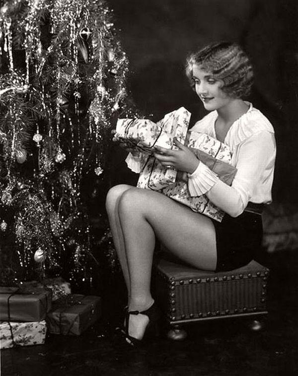 Vintage Hollywood Christmas Pinup Girls MONOVISIONS