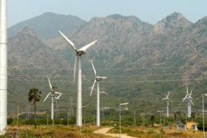 インドグジャラート州に広がる風力発電機