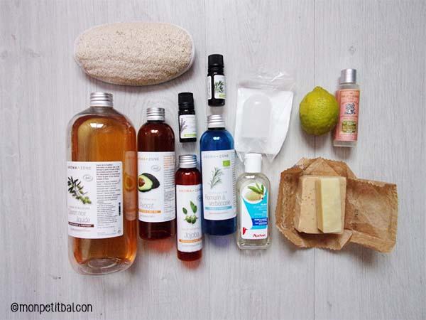 Jour 10 - des produits de beauté responsable : pierre d'alun, savon noir, huile de jojoba, huile d'amande douce, huile d'avocat, dentifrice solide, barre de savon, hydrolat de romarin, eau de rose, huiles essentielles