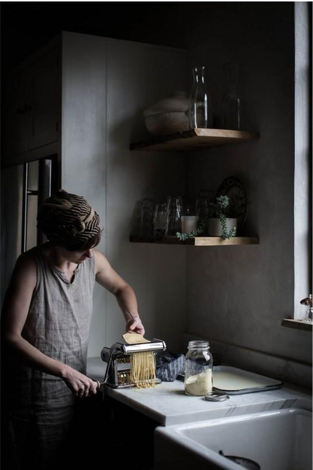 voyage botanique en Italie avec une recette et la réalisation de pâte maison au laminoir