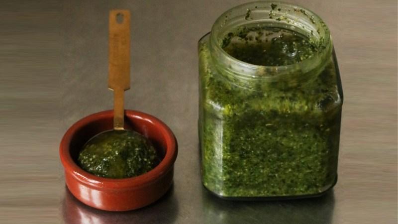 Bocal de saison : Recette du pesto végétalien au basilic