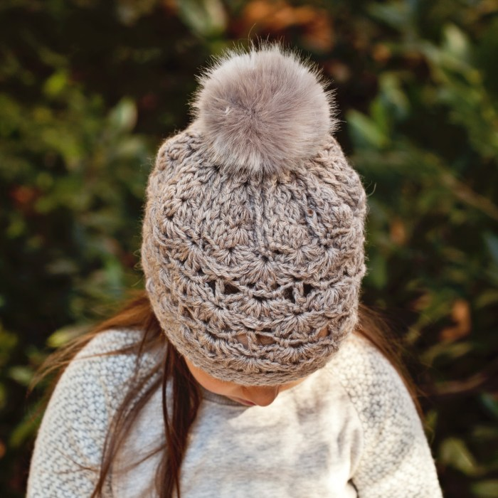 Faux Fur Pom Pom Hat, crochet pattern by Mon Petit Violon