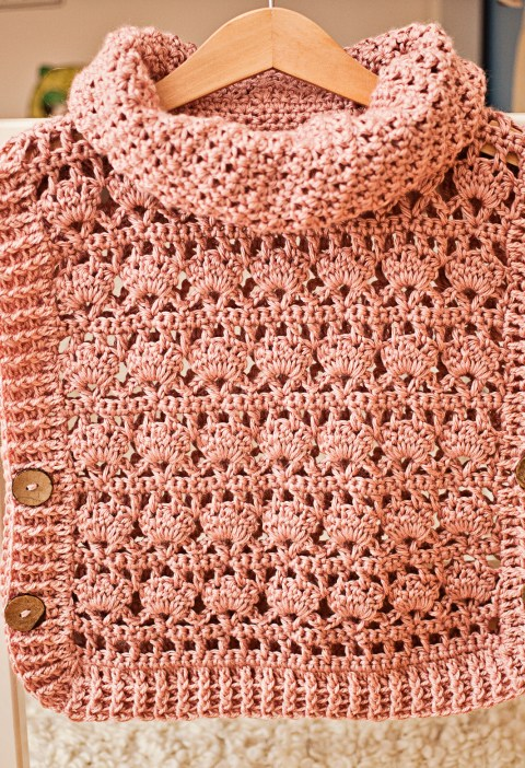 Rose Poncho - Pullover, crochet pattern by Mon Petit Violon