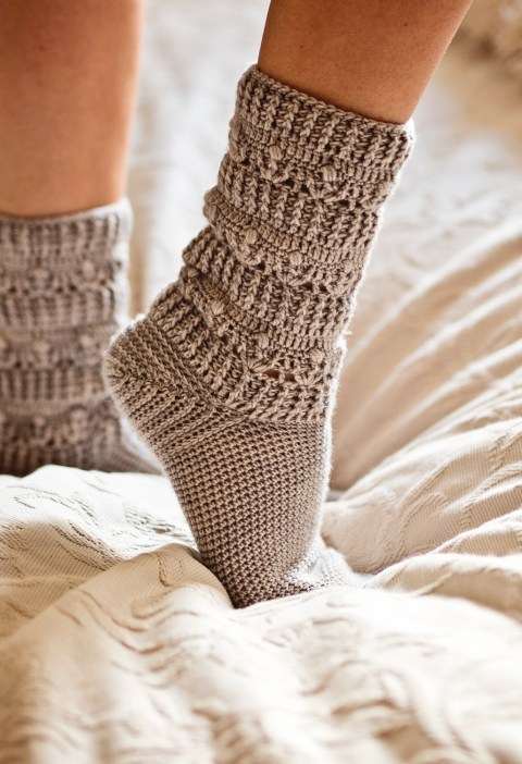 Pearl Socks, crochet pattern by Mon Petit Violon