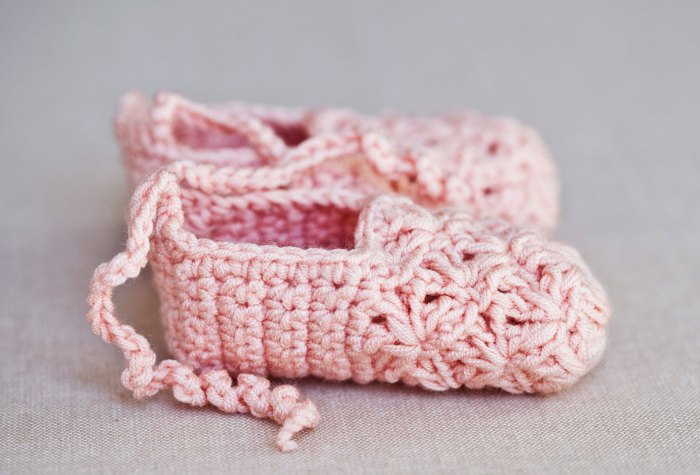 Stunning crochet Point Shoes for a little ballerina (free pattern)