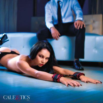 Universal Cuffs - Menottes Universelles - Scandal