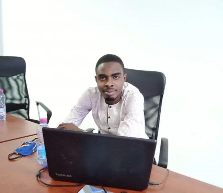AKUETE DOMLAN permet aux togolais de transférer de l'argent de Tmoney vers Flooz et vice versa