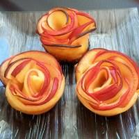 Roses de pommes à la confiture d'abricots