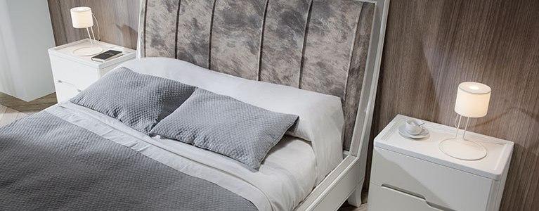 Mesita de Noche colección Valentina y Cama-para-dormitorios-Valentina-cabezal-tapizado-blanco-02