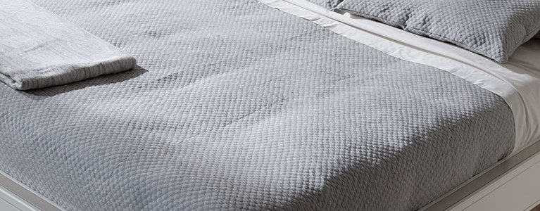 Cama-para-dormitorios-Valentina-cabezal-tapizado-blanco