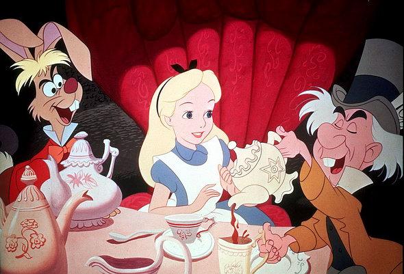 La table dans Alice au pays des merveilles (dessin animé)