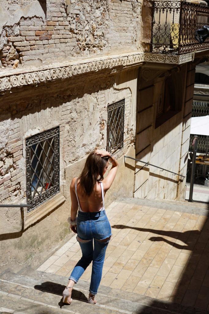 shooting, jean, destroy, ripped, model, asos, missguided, body, débardeur, échancré, couronnes de fleurs, look, style, fashion, outfit, rock