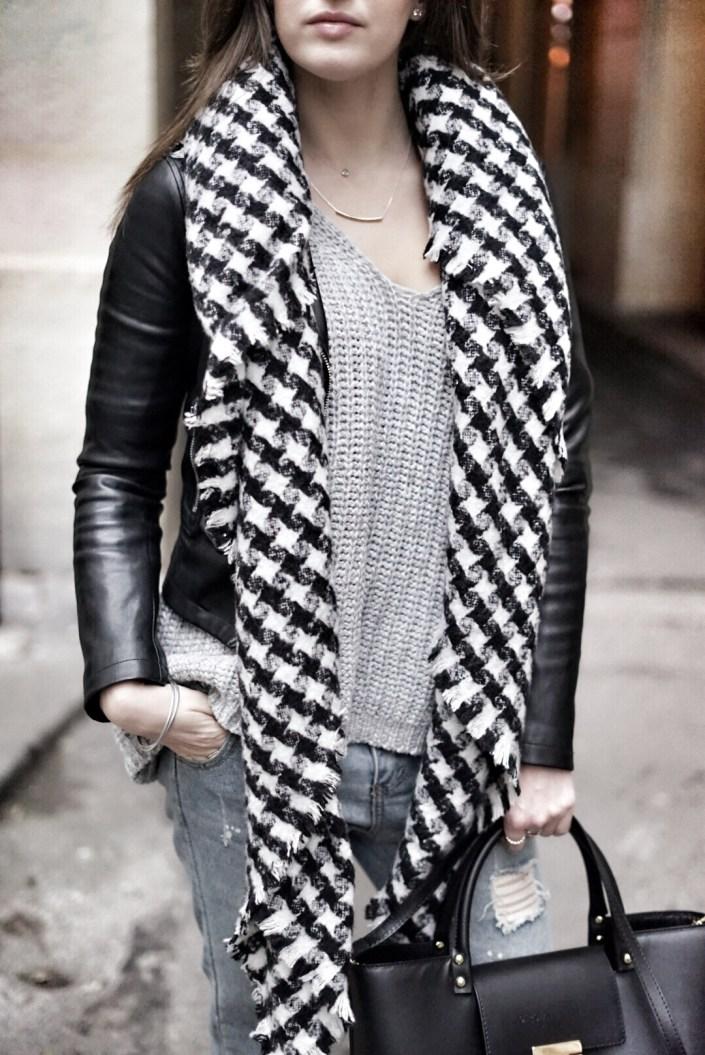 Parisienne ... scarf x pull XXL