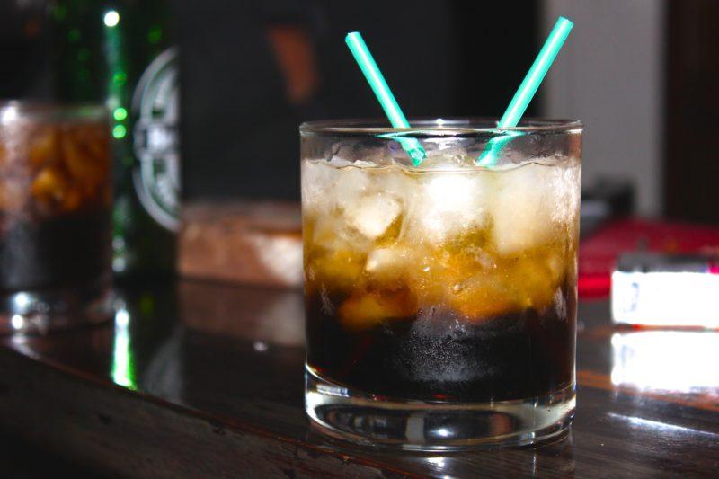 MonsieurMadame cocktail Black Russian