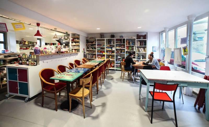 cafe-jeux-natema-paris-restaurant-farfelus-original-claudia-monsieur-madame