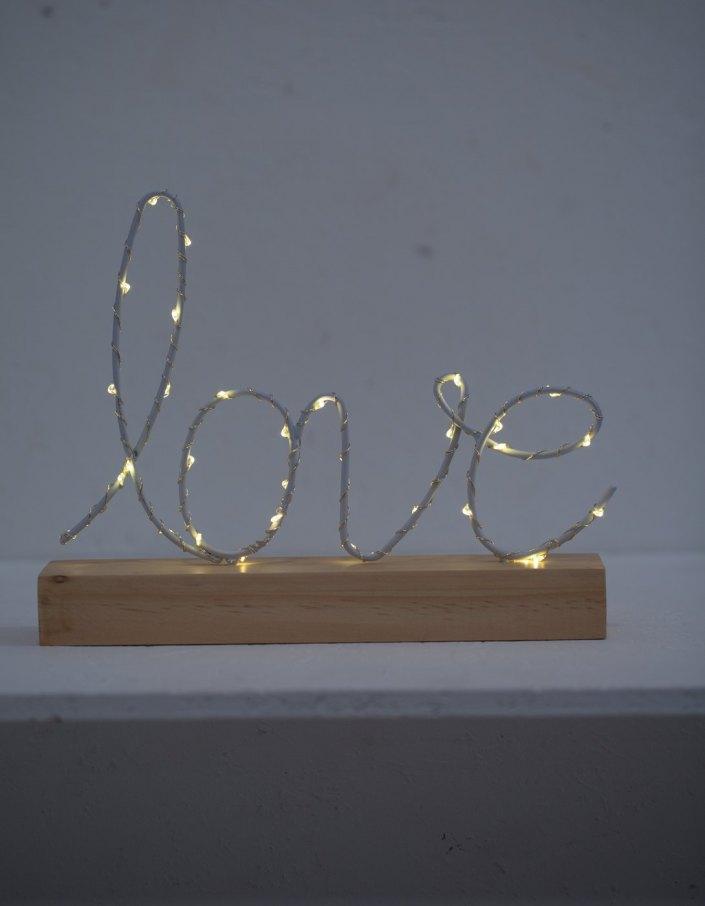 Affichage Love lumineuse Stradivarius