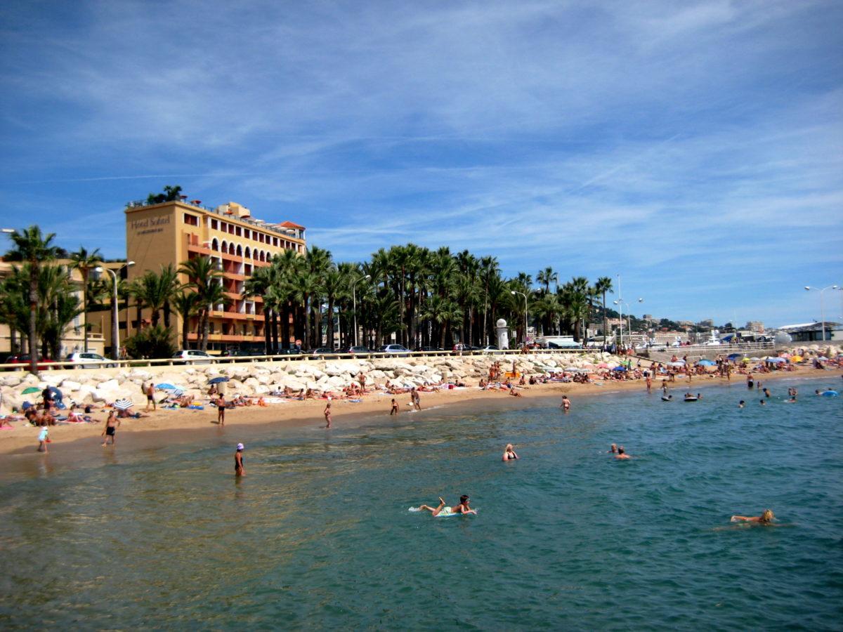 Plages de Cannes Source: Flickr