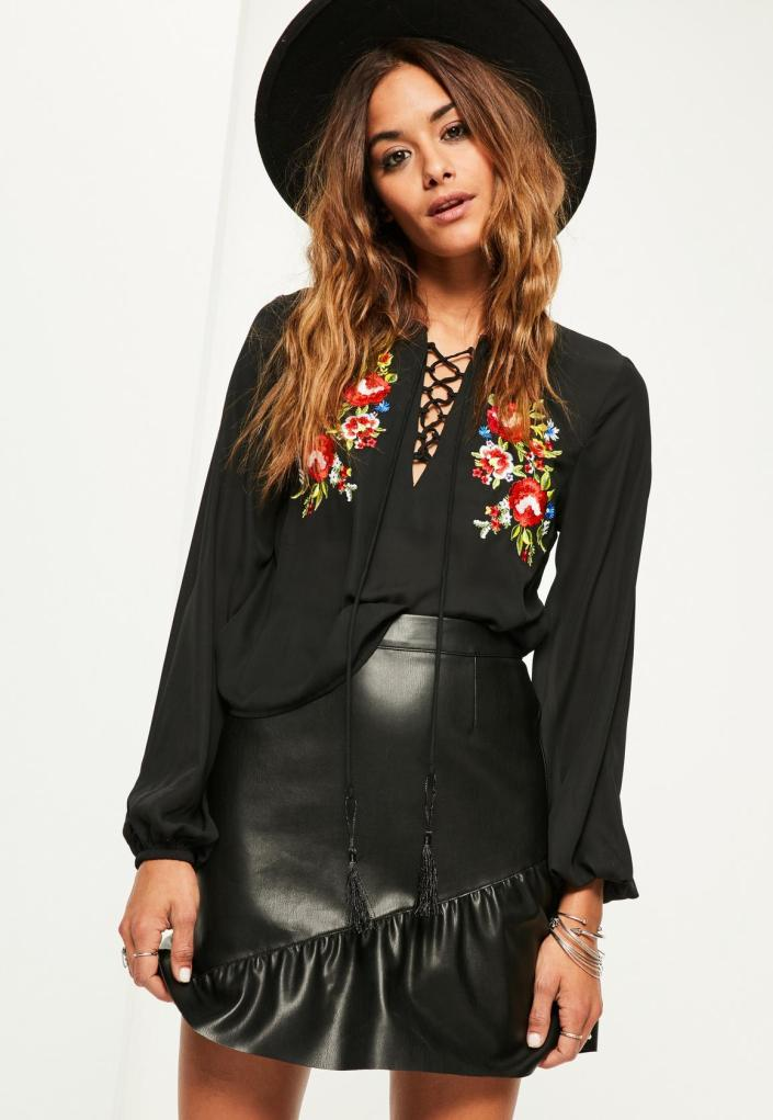 Blouse brodée MissGuided