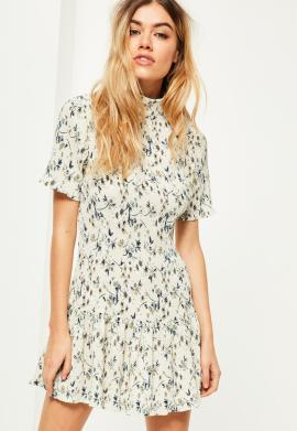 robe-crme-fleurie-plisse-exclusivit-petite