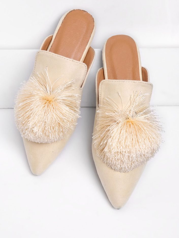 Mules pointues à pompons