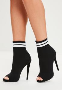 bottines-noires--bandes-contrastantes