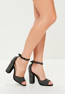sandales--talons-noires-clouts