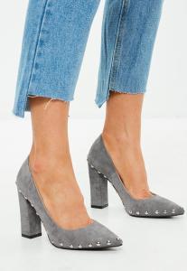 escarpins-gris-clouts