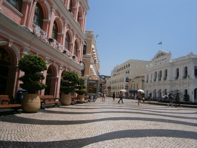Senado Square - nope, we're definitely not in the mainland now.