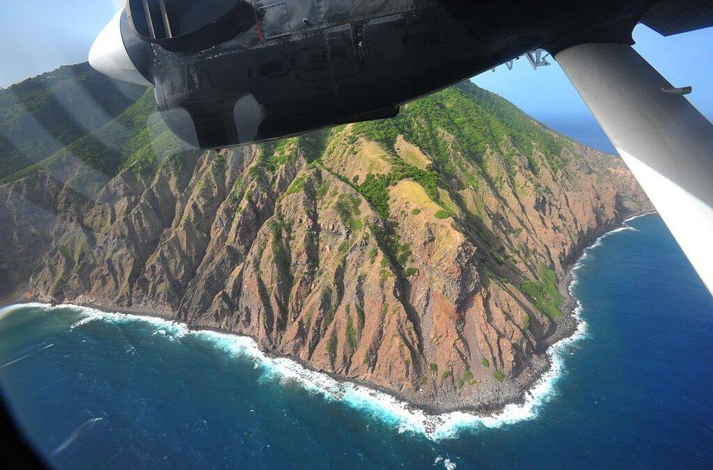 Saba Rattling: The World's Shortest ('Scariest') Runway Landing