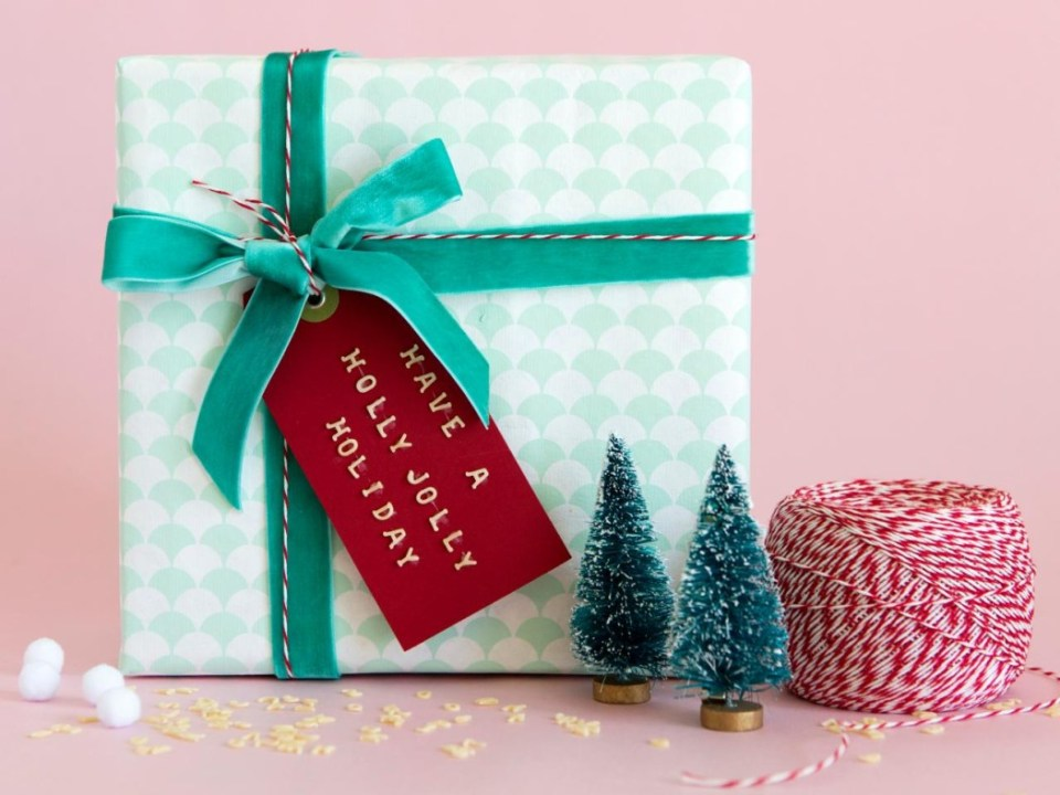 gift wrapping ideas for kids on christmas