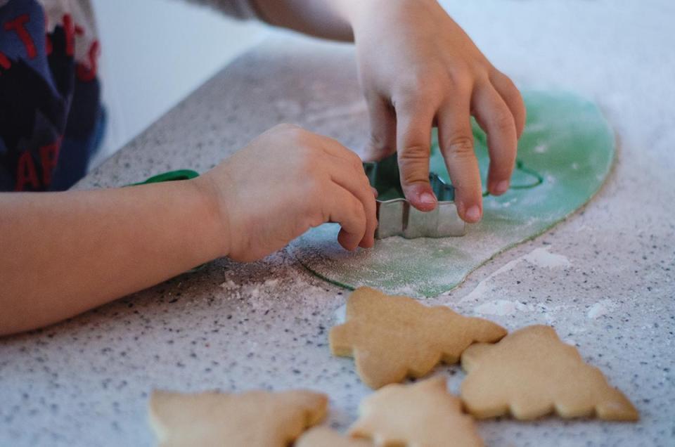 preparar galletas de navidad decoradas con fondant