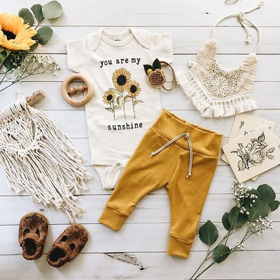 flatlay tips and inspiration - children clothes