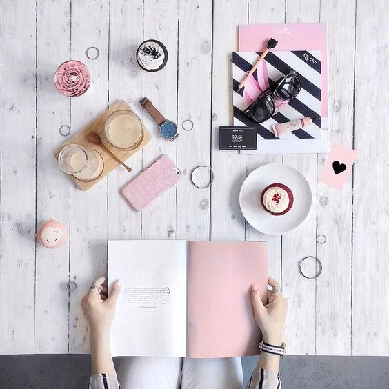 flatlay tips and inspiration - pink