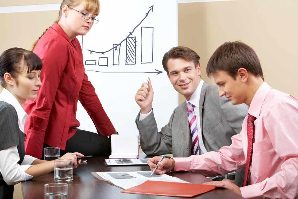 Build a Top-Performing Sales Team by Investing in Support Roles