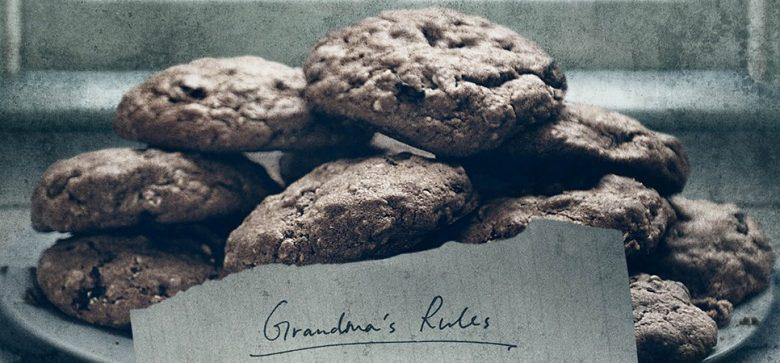 The Visit poster con biscotti