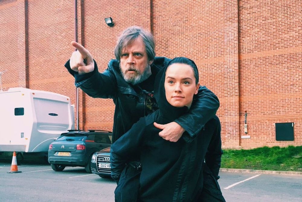 mark-hamill-daisy-ridley-hot-girl-rey-last-jedi