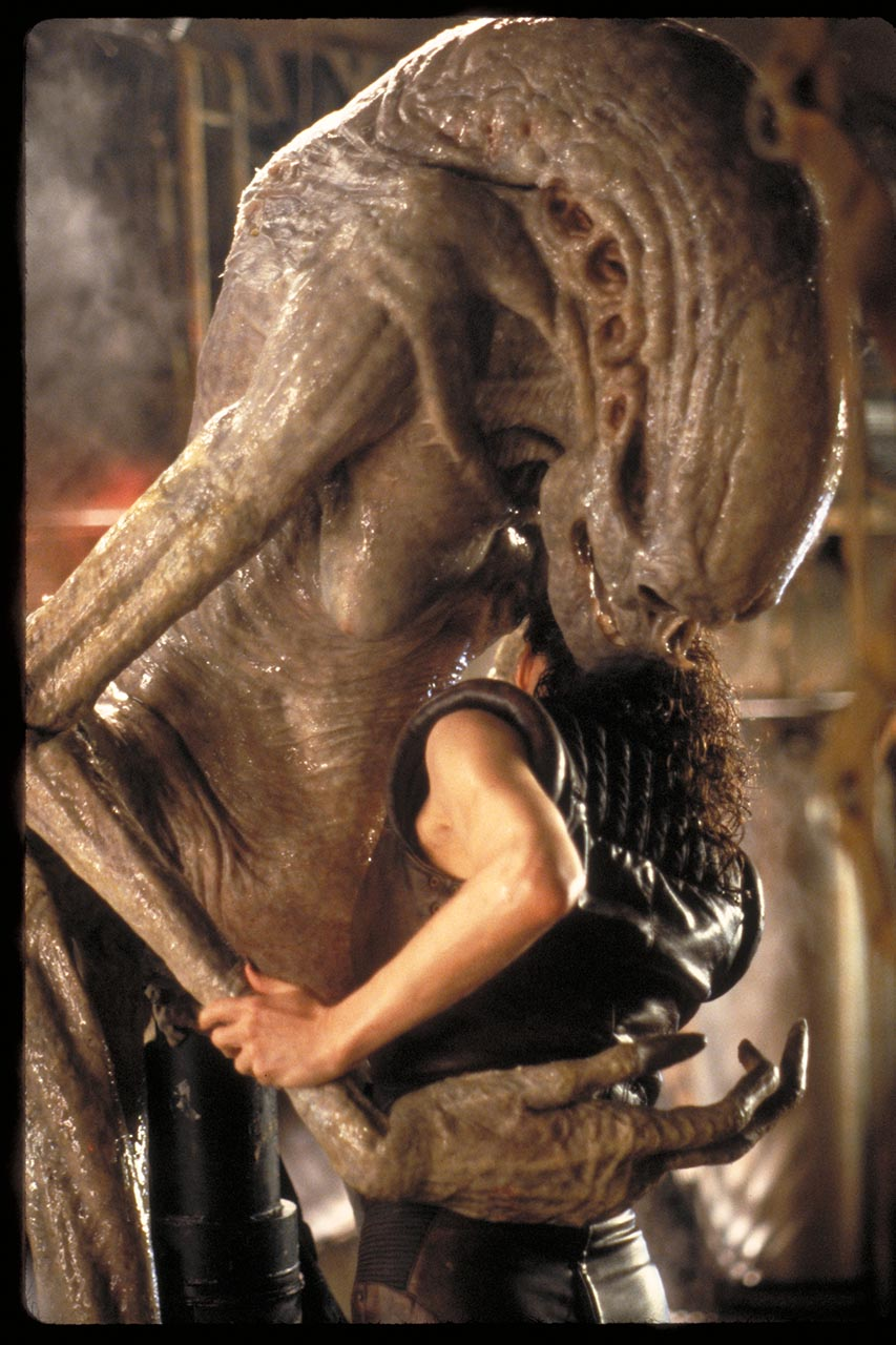Alien Resurrection Newborn e Ripley
