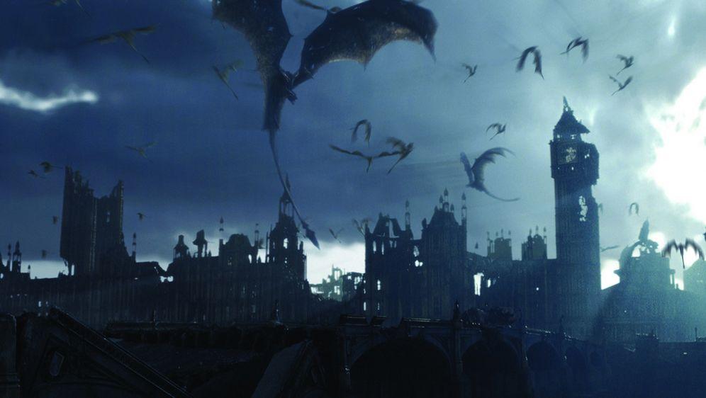 scena draghi a Londra il regno del fuoco