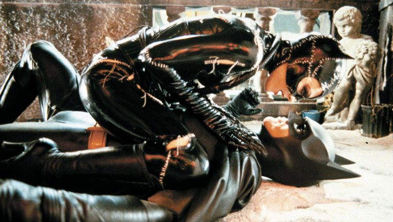batman_returns_michelle_pfeiffer_and_michael_keaton_still.jpg