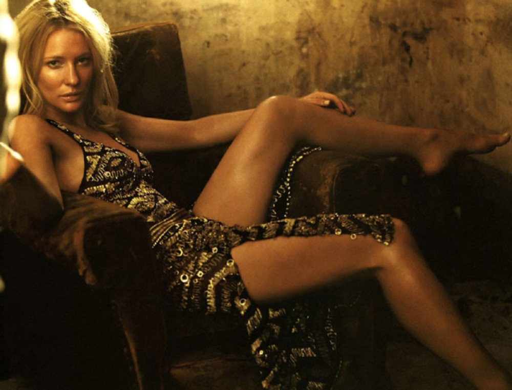 Cate Blanchett in posa sexy