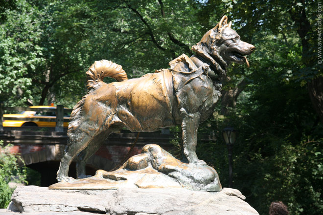 Statua di Balto a Central Park (New York)