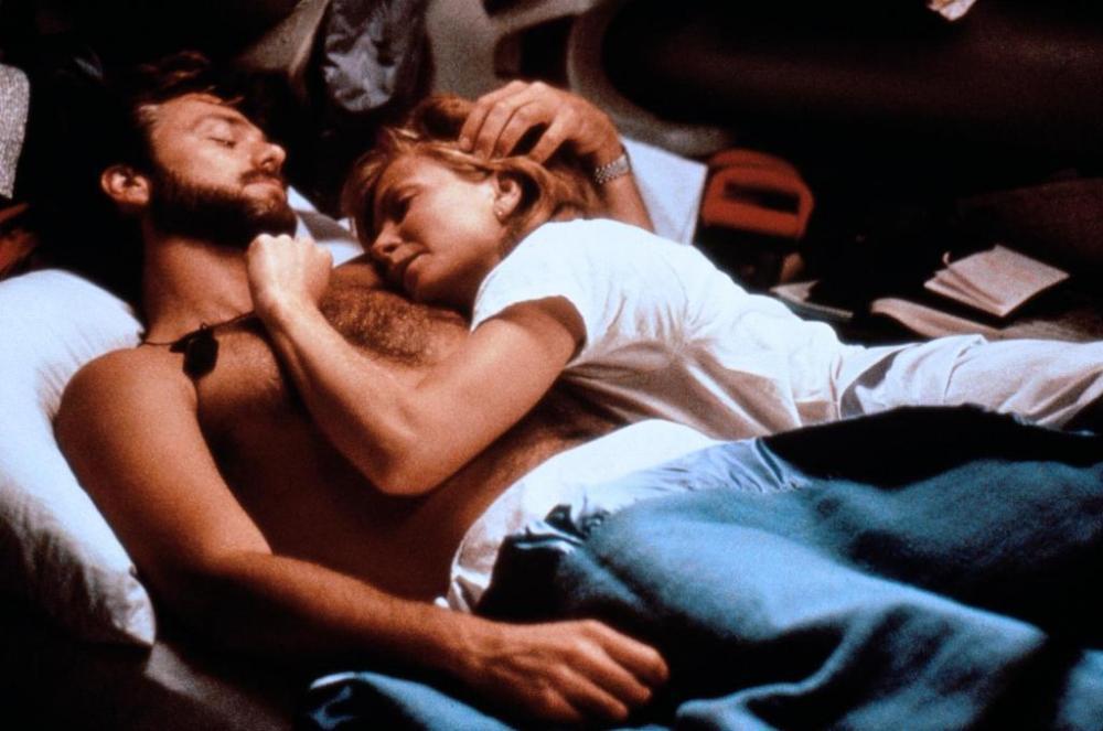 McBride e Joyce in DeepStar Six