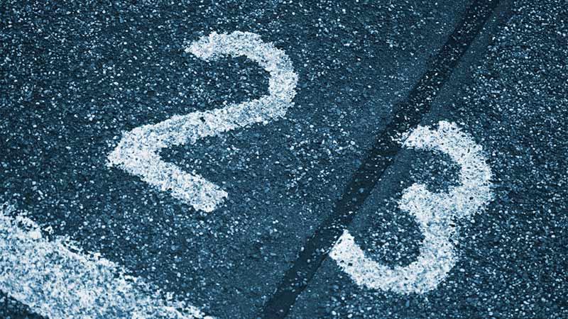 numero 23 su asfalto