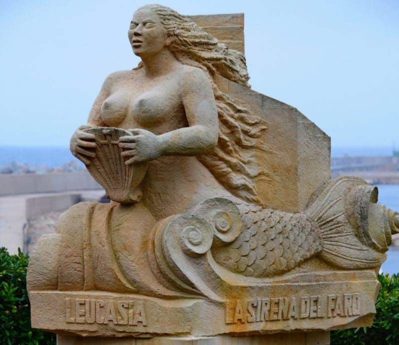 sirena leucasia statua pugliese