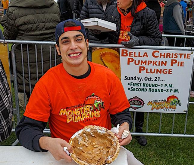 2 Pie Eaters 0354