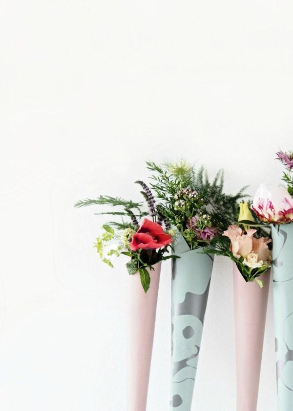 Diy flower cones elegant and easy wedding favors diy flower cones elegant wedding decor mightylinksfo
