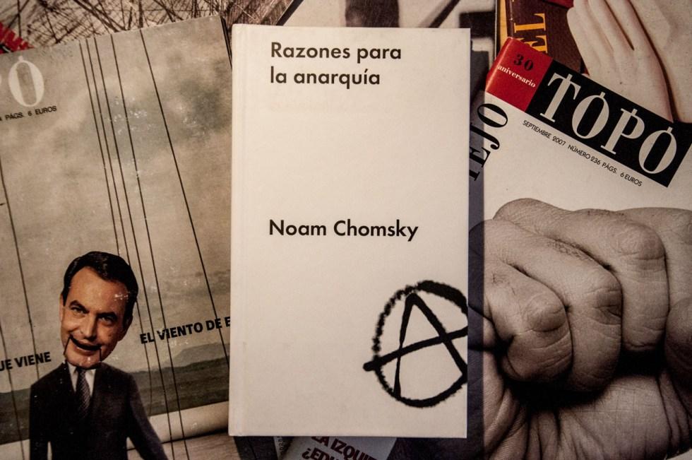 livros Razones para la anarquía - Noam Chomsky
